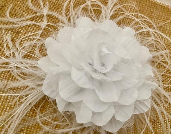 Wedding Fascinator, White Flower Headpiece, Bridal Fascinator, Navy Bridal Fascinator, Wedding Headpiece, Kentucky Derby Floral Hair Clip