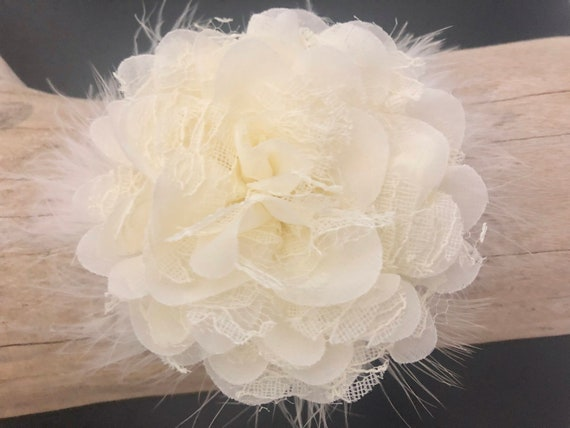 Ivory Lace Flower Hair Clip, White Lace Flower Hair Clip, Wedding Flower Hair Clip, Ivory Flower Feather Hair Clip, White Flower Hair Clip,