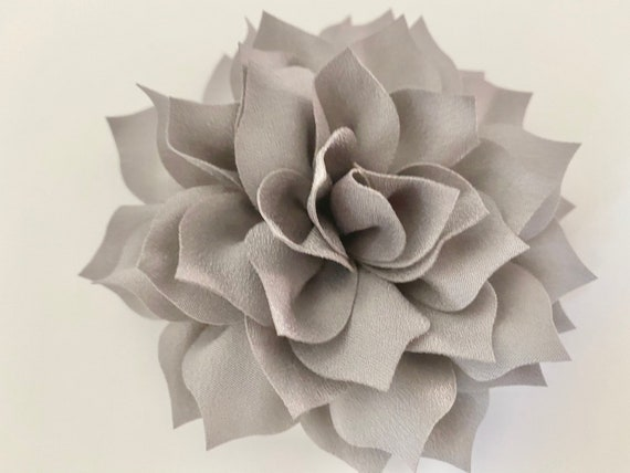 Silver Flower Clip, Grey Hair Clip, Silver Flower Crystal Clip,Grey Silver  Wedding Flower Fascinator, Bridal headpiece, Silver Hair Clips