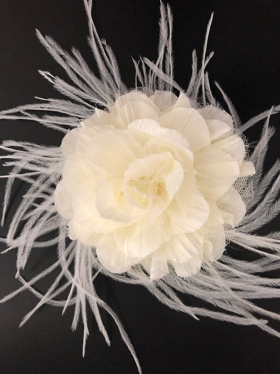 Wedding Fascinate, Ivory Bridal Fascinator, Bridal Flower Hair Clip,Floral Crown, Ivory  Flower Hair Clip, Derby Feather Hair Clip