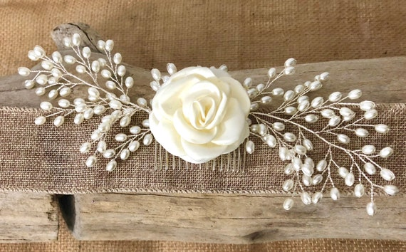 Floral Pearl Hair Comb, Pearl Floral Wedding Hair Comb, Bridal Pearl Comb, Ivory Cream Flower Comb, Pearl Hair Comb, Brides Pearl Flower cli