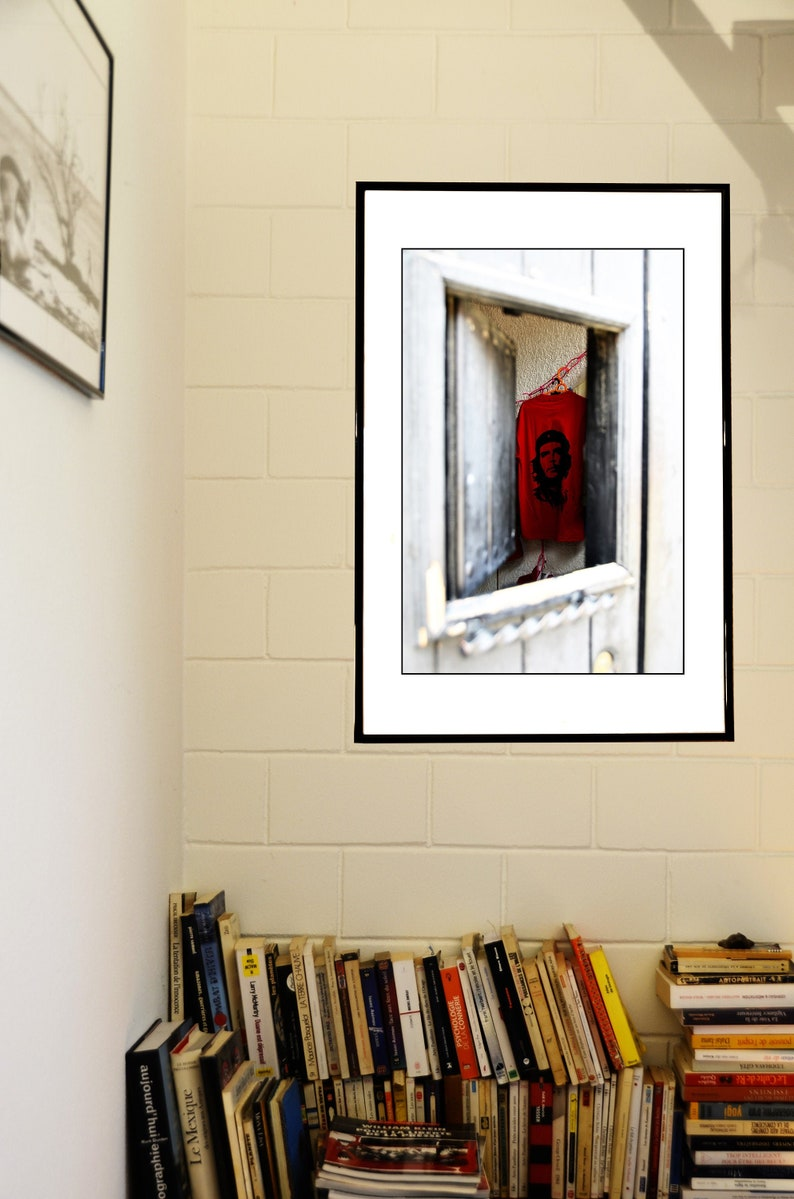 Portrait of Che Guevara on a Red T-shirt Through the Window Latin America Printable Digital Instant Download Color Photography Mexico