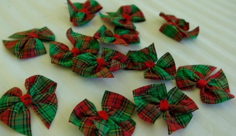 12 Cute 4cm RED & GREEN Tartan Scottish Christmas Craft Bow image 0
