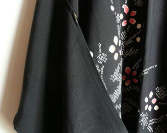 Kimono jacket - Japanese vintage - silk - tie dye flowers and flowing water - WhatsForPudding #2215
