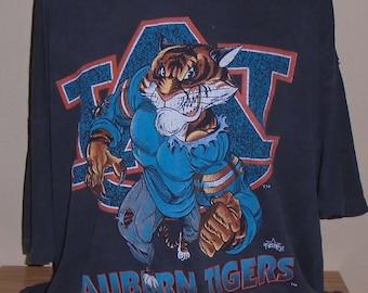 99926416 vintage 1990s Auburn Tigers XXL t shirt
