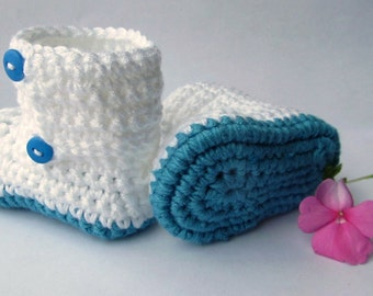 SALE! Crochet baby booties, crochet baby slippers, Baby Shoes, Infant Booties, Toddler Shoes. Light blue steel color.