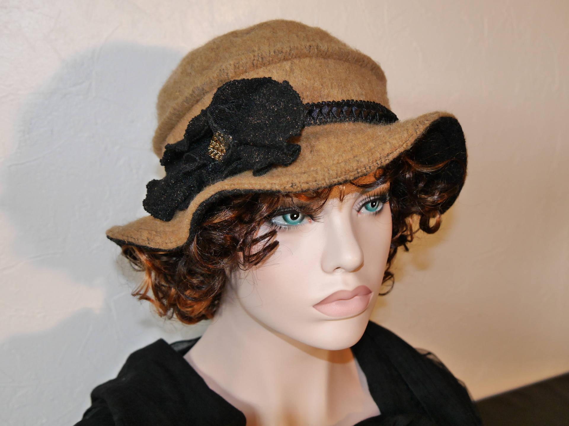 chapeau en laine et polyester couleur beige fonc camillia 8 etsy. Black Bedroom Furniture Sets. Home Design Ideas