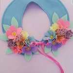 Pastel felt flower collar