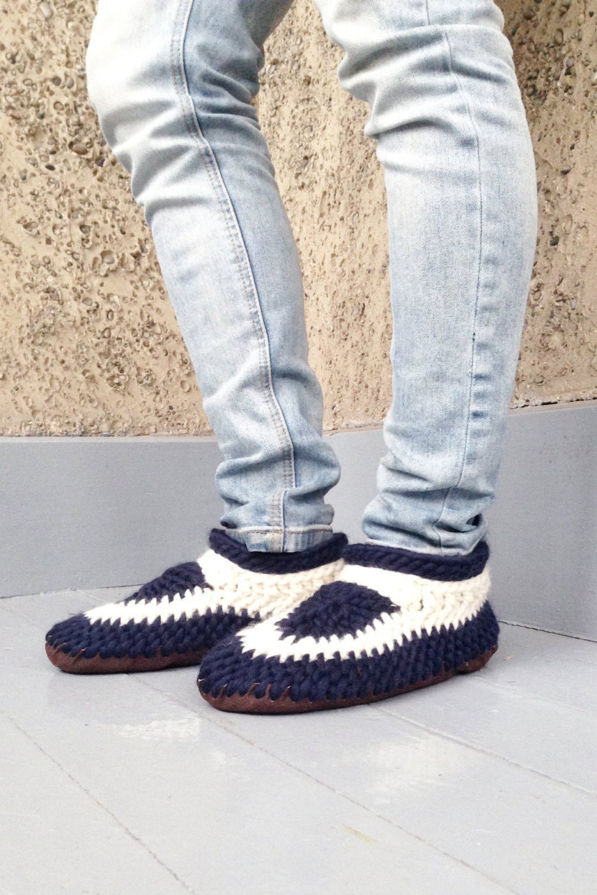 Cozy Slippers Shoes – Crocheted Leather Sole Slippers with Men and Women's Sizes with Slippers Sheep Fur Lining and Handmade from Merino Wool ea376d