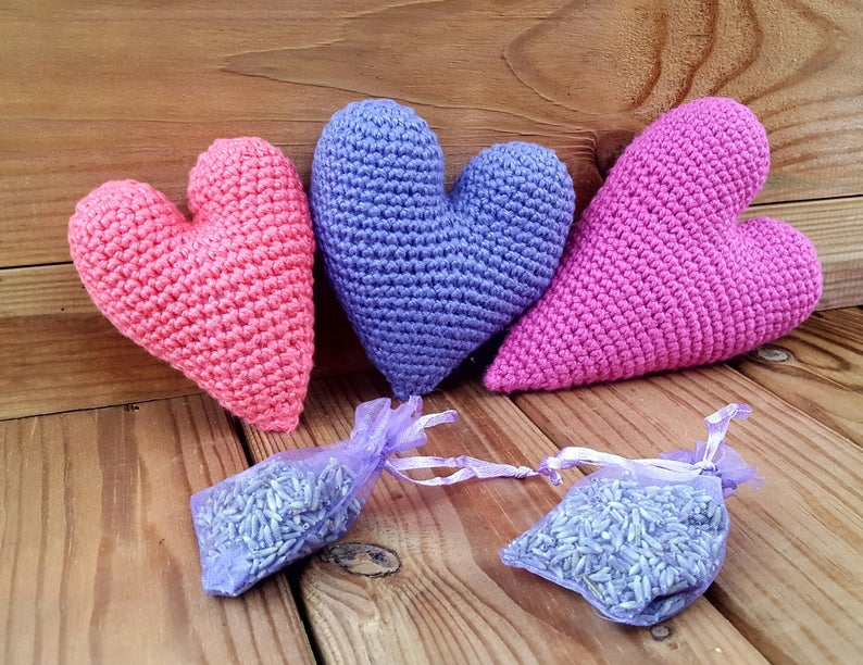 Crochet Pattern for Heart Valentine's Day Gift Idea image 1