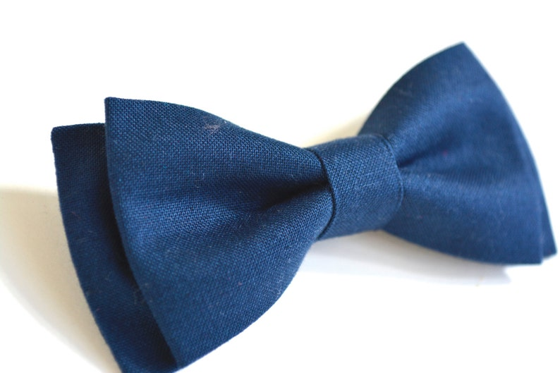 ae3fe535f768 Navy blue bow tie for kids clip on bow tie for kids   Etsy