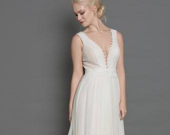 bohemian lace wedding dress/simple wedding dress/beach wedding dress lace/casual wedding dress/plus size bohemian wedding dress/ plus size