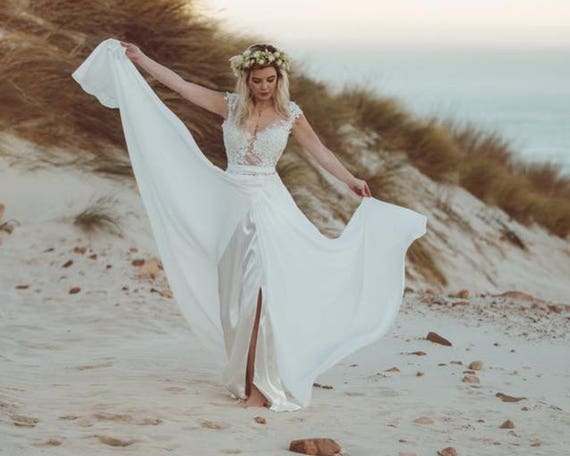 Pictures of Beach Wedding Dresses