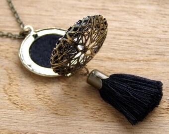 Eclectic Dream Catcher Elegant black and gold tassel necklace Dangle filigree aromatherapy charm Essential oil diffuser locket pendant