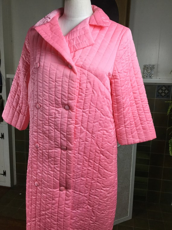 Vintage 50s Robe , Salmon Quilted Bathrobe, Lounge