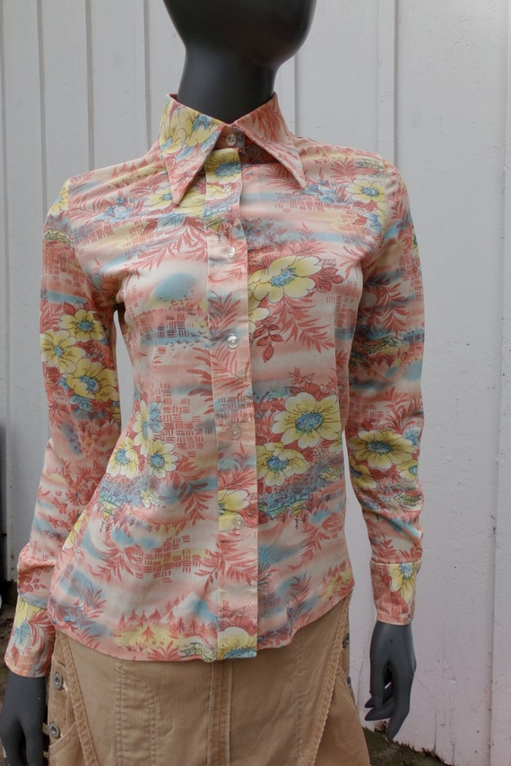 Vintage 70s  Shirt , 1970s Silky graphic pictoria… - image 1