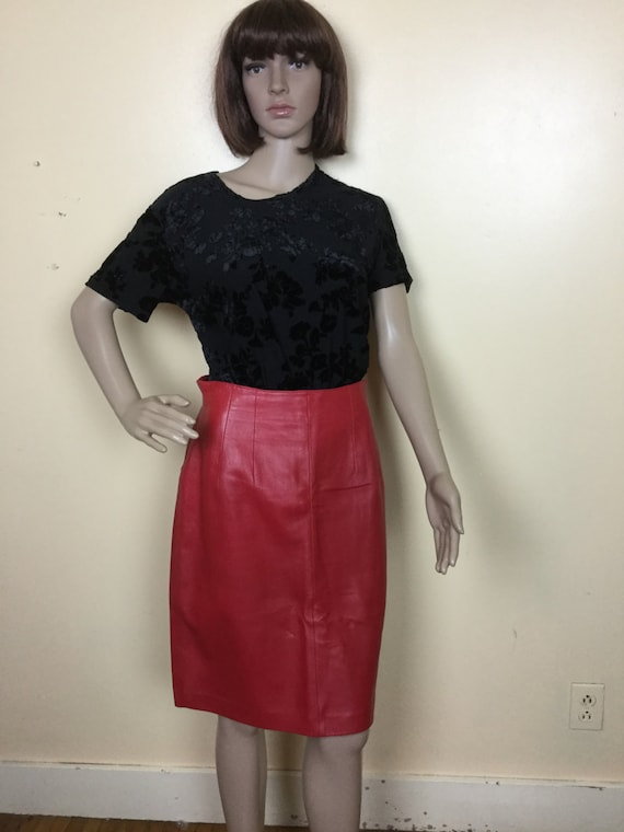 Vintage 80s  skirt , red leather skirt  high waist