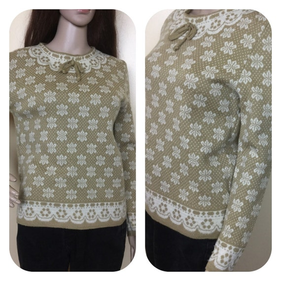 Vintage 60s Sweater , 1960s Fall Sweater, Snowflak