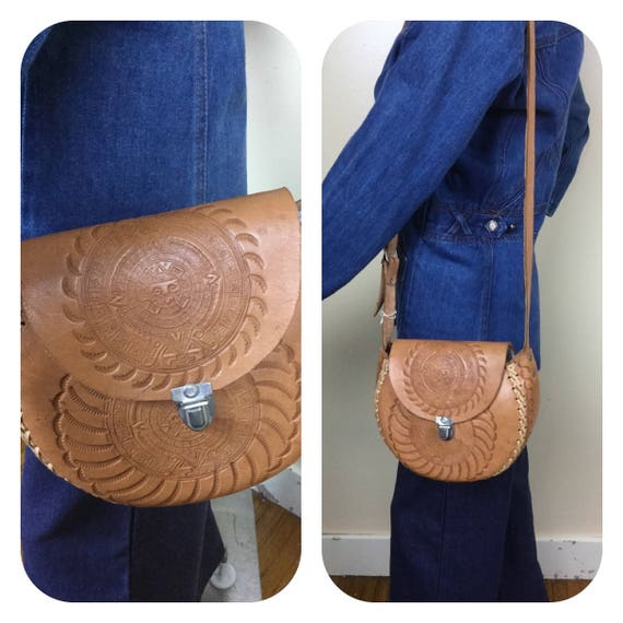 VintAge Leather Purse , 70s hand tooled purse ,  Z