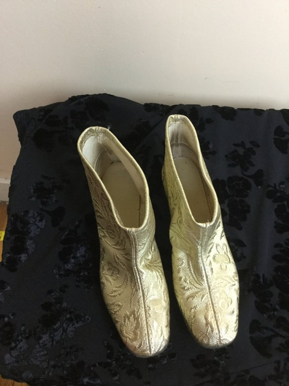 Vintage 60s gold Boots , mod Gold slippers, go go… - image 5