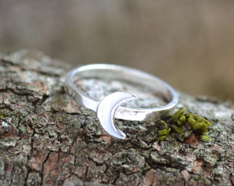 Moon Ring   Sterling Silver Ring   Gift For Her   Girlfriend Gift   Best Friend Gift   Stack Ring   Crescent Moon Ring   Bridesmaid Gift