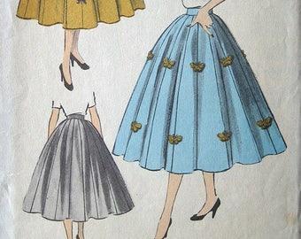 "Vintage 50s Rockabilly Eight Gored Full Skirt  Advance 6348 Sewing Pattern. Waist 24"""
