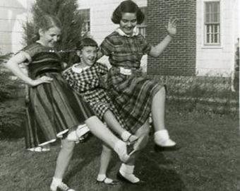 Original 1950s Black & White photograph of Three Girls skipping ~ B262 Kentucky USA