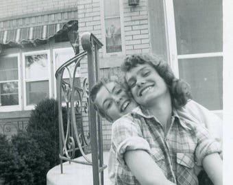 Original 1953 Photograph of Two Young Happy Girl Friends ~ B315 USA