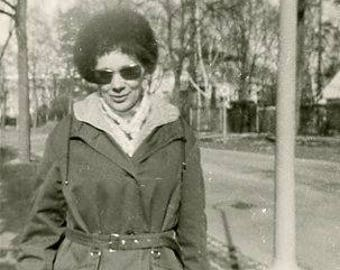 Original 1960s Black & White photograph of a German woman in Sunglasses ~ B265 from Germany