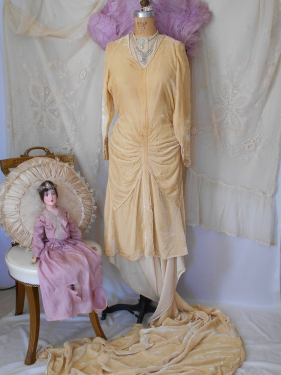 Incredible Rare 1929 Liquid Velvet Wedding Gown/He