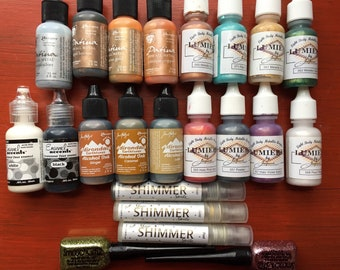 Scrapbooking Paint, 22 bottles, Lumieres, Inks, Enamel, Metallic Patina, Shimmer Spritz, Smooch Glitz, Used, Destash, Great Condition