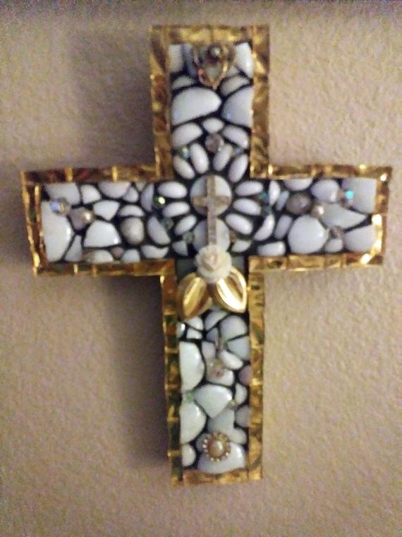 Cross glass tile mosaic wall hanging