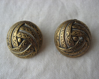 Mixed Metal round clip-on earrings