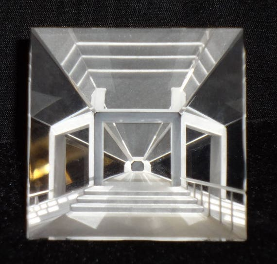 Steinbach Large Pyramid Optical Crystal 2561//50 In Original Box