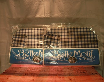 New Old Stock 10 Blue and White Place Mats and 10 Napkins
