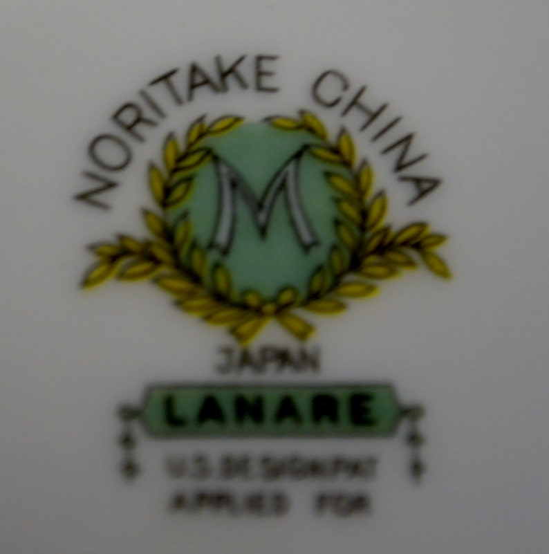 Noritake Lanare Pattern Green Verge Covered Vegetable Dish or Casserole