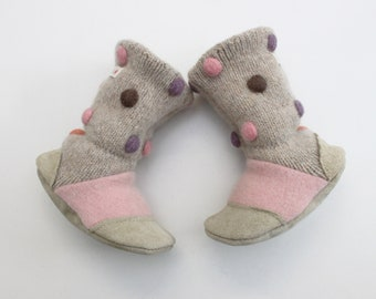 baby slippers, baby Boots, baby shoes, soft sole shoe, wool booties, baby mocs, gift for baby, baby shower, 12-18 m, ready to ship
