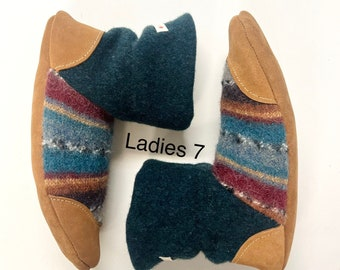Slippers, womens slippers, wool slippers, slipper boots, house boot, gift for her, warm slippers, felted slippers, wool socks