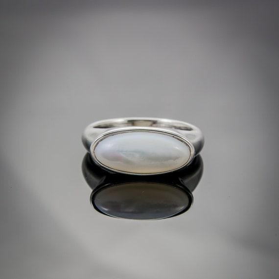 Pearlescent.  Vintage Sterling Silver 925 Large Ov