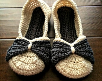 428af2592bcbb Crochet slippers Women's Crochet House shoes bow | Etsy