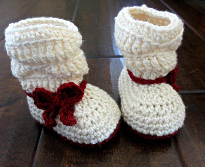 23509ce22f043 Bow Slouch Boots - Baby booties - Little girl Christmas boots - Red and  white bow boots - crochet baby shoes
