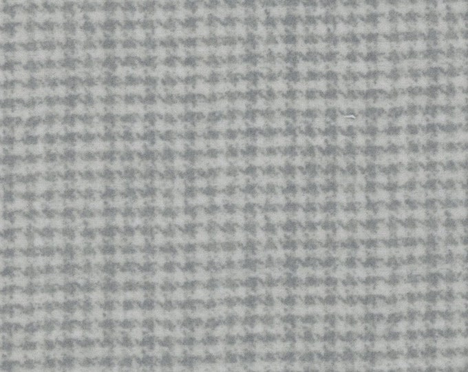 Maywood WOOLIES Light Gray Grey Smoke Houndstooth 18503-K Flannel Fabric BTY PRECUT