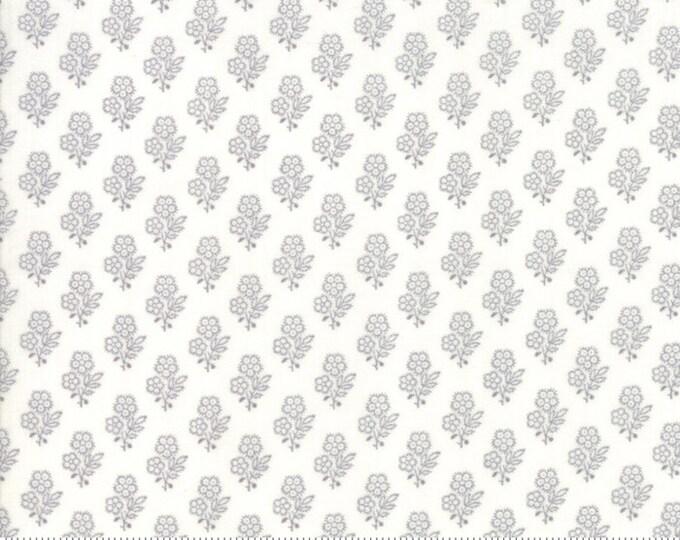 NEW Moda Primitive Gatherings Urban Farmhouse Gatherings White Gray Grey Daisy Floral Civil War Fabric 1280-15 BTY
