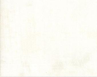 Moda Grunge Basics MAVEN Cream Off White Mottled Background 30150-371 Fabric BTY