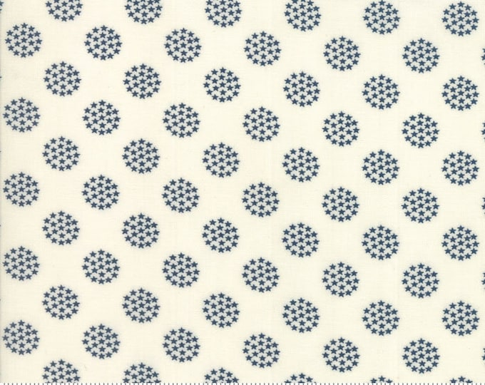 Moda Sweetwater FREEDOM Fireworks Star Circle White with Navy Blue Stars Fabric 5645-22 BTY