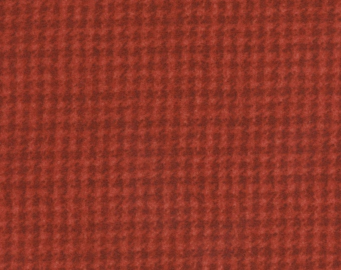 Maywood WOOLIES Red Houndstooth 18503-R Flannel Fabric BTY