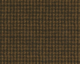 Maywood WOOLIES Brown  Houndstooth MASF-18503-A Flannel Fabric BTY
