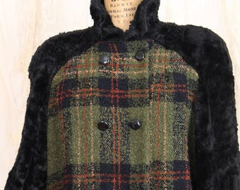 Vintage 1940s Coat /Made in Italy / Faux Fur  / Plaid / Wool /  Winter Coat / Double Breasted / Size Large