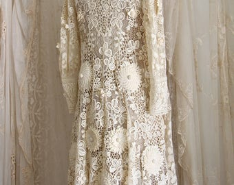 Exquisite Antique Irish Lace Wedding Coat / Museum / Crochet Lace / Bridal / Antique Dress /Ivory / Size Sm / Med