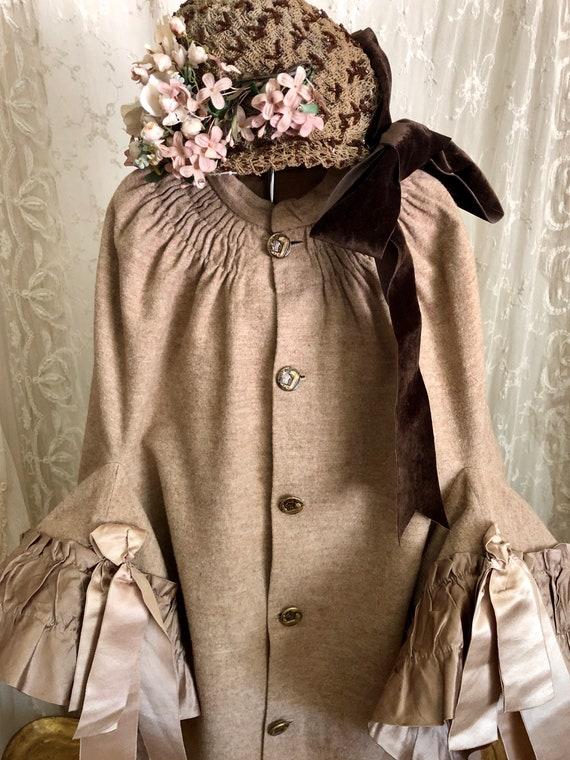 Antique Victorian Cape / 1890s Dress /  Museum / A